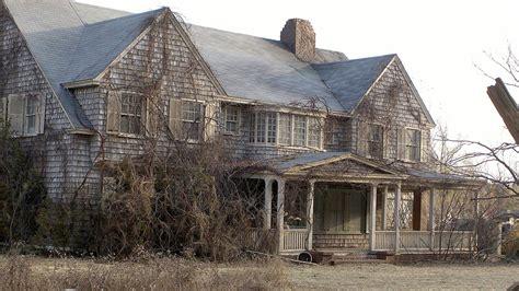 Hamptons' Storied Grey Gardens Estate Has A Buyer