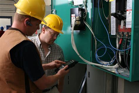 field service technicians scanning barcode printers