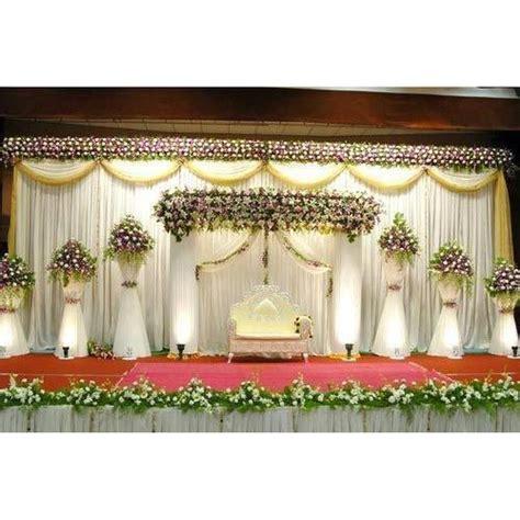 white flowers decoration wedding stage   wedding rs