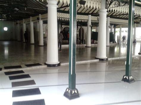 Ke Masjid Walau Jauh rolasan di masjid sulthoni di kepatihan nasirullah sitam