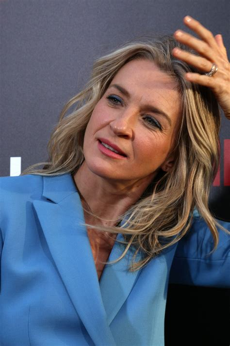EVER CARRADINE at The Handmaid's Tale Premiere in Los ...