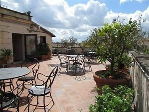 balkon mit ausblick photo de hotel locarno rome rome With katzennetz balkon mit garden route trip