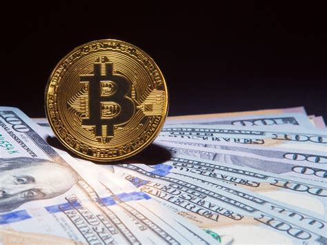 bitcoin price jumps    hit  month high