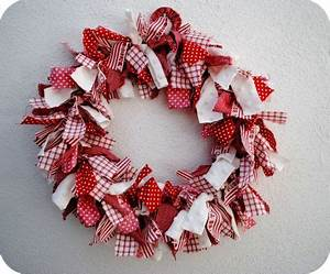 Best 25 Fabric wreath ideas on Pinterest