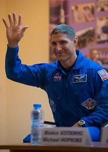 Expedition 37 NASA Flight Engineer Michael Hopkins | NASA