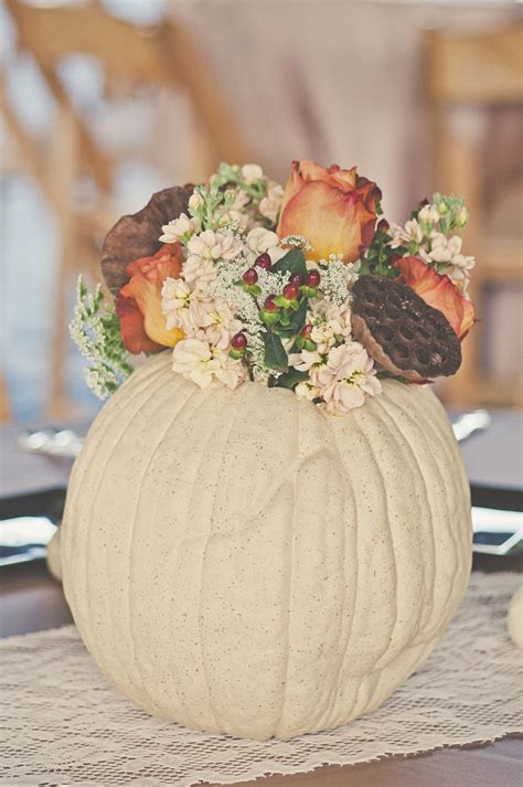 white pumpkin centerpieces