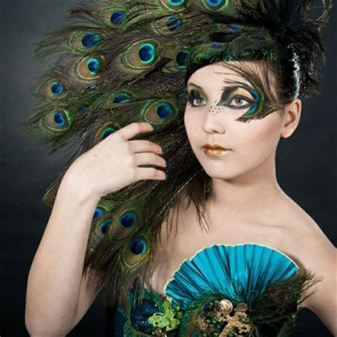 peacock feather inspired eye   designs ideas