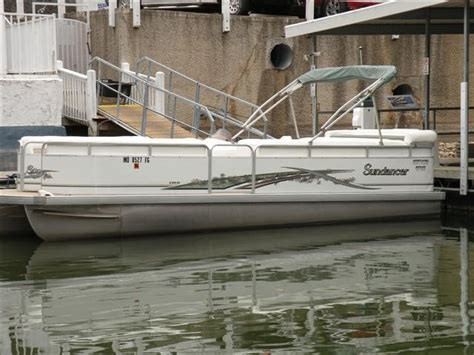 Tritoon Boats For Sale Missouri by Sundance 24 Tritoon 2005 Used Boat For Sale In Lake Ozark