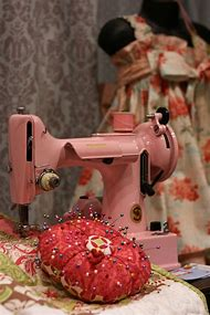 Pink Singer Featherweight Sewing Machine