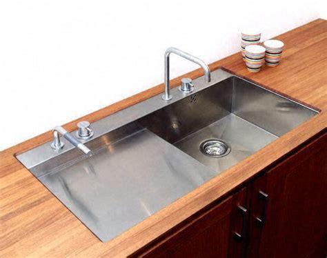 l evier de cuisine immobilier travaux poser un évier de cuisine
