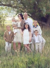Family Portrait Clothing Color Ideas