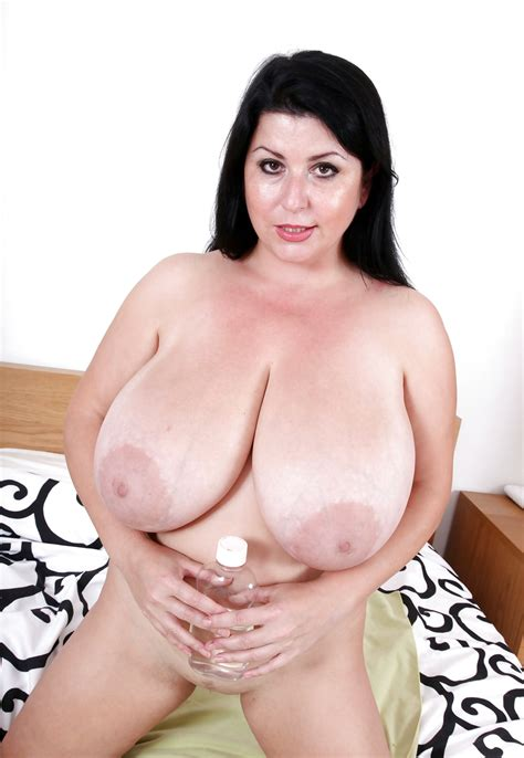 Natalie Fiore And Her Big Fat Tits 3 Fotos
