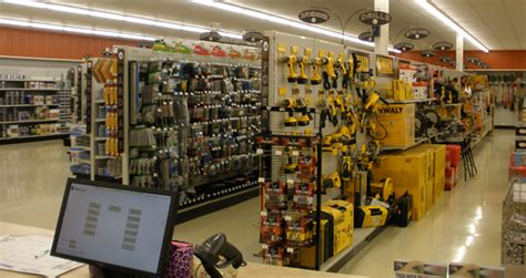 store future technologies changing retail hardware retailing