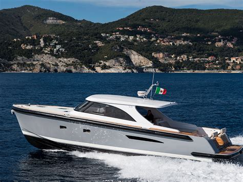 yachts superyachts  sale equinoxe yachts international