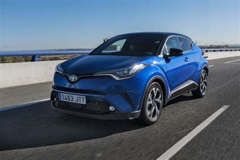The development of the car began in 2013. Precios Toyota C-HR Electric Hybrid