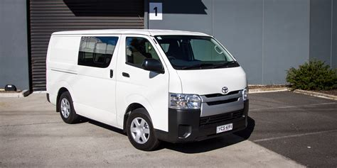 Review Toyota Hiace by 2015 Toyota Hiace Crew Review Caradvice