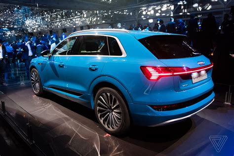 heres   tron audis   electric suv  verge