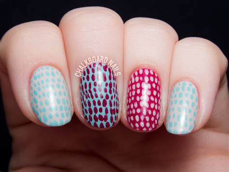 Nail Art Tutorial : Quick And Simple Scaled Nail Art [video Tutorial