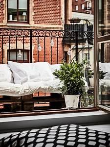 Balkon Bank Klein : klein knus balkon met houten pallets inrichting ~ Michelbontemps.com Haus und Dekorationen