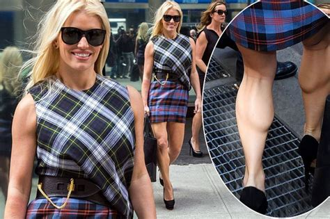 Jessica Simpson Shows Off Some Serious Calf Muscles After