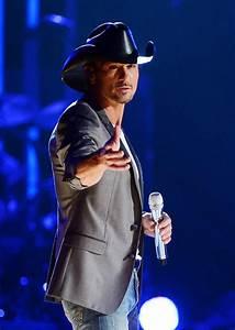 Tim McGraw Photos Photos - Tim McGraw's Superstar Summer ...