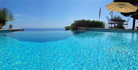 cuisine avec machine à laver location villa piscine vue mer le rayol canadel var côte d