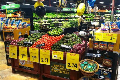 A Food Fight in the Produce Aisle - WSJ