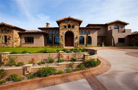 Designing Front Yard Anythingology Tuscan Villa