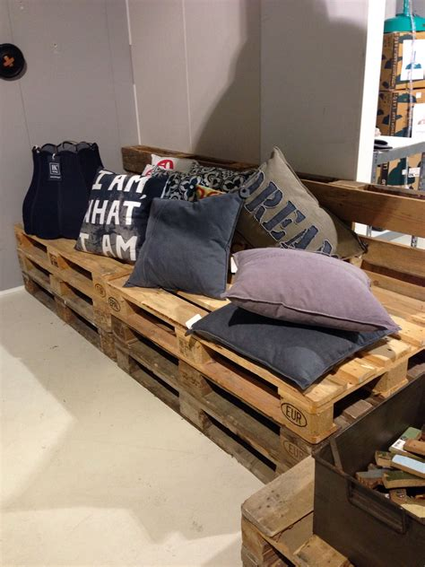 Pallet Settee by Pallet Banquette Settee Seating