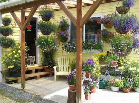 Awesome Spring Design Ideas For Your Front Porch