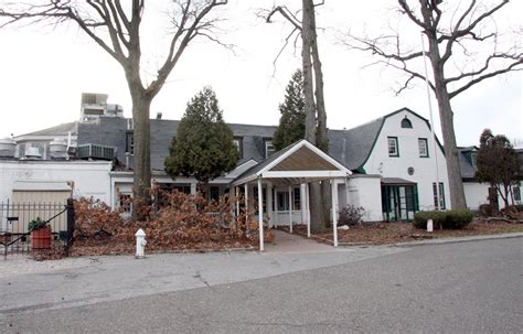 South Shore Country Club Dining Lease Goes To Vanderbilt