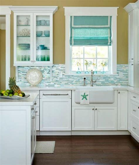 Kitchen Theme Ideas Blue by Best 25 Coastal Kitchens Ideas On