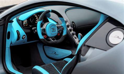 2018 bugatti divo rear view. Bugatti Divo hypercar launched at Pebble Beach car week.