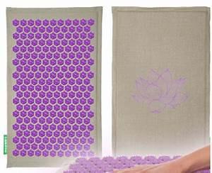 champ de fleurs l39incontournable tapis de fleurs en With tapis champ de fleurs avec canapé tissu orange
