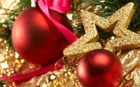 365 estate agents deck the halls festive decorating