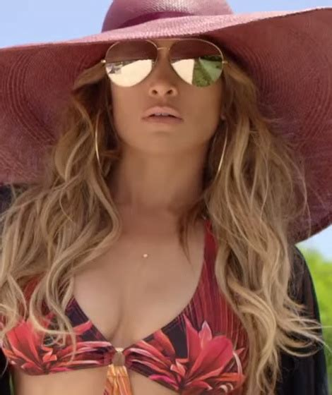The important thing is that she comes. Jennifer Lopez Flaunts Her Killer Bod, Shakes Her Booty in ...