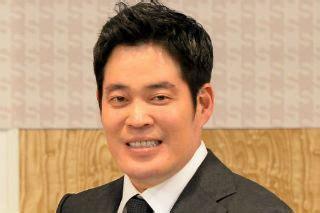 정 부회장은 한국에 스타벅스를 유치한 당사자이기도 하다. 정용진, 신세계 스타필드에서 고객의 시간 빼앗기 성공