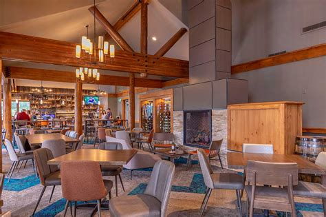 breck golf club dining room fireplace