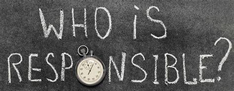 who is responsible for condominium repairs maintenance