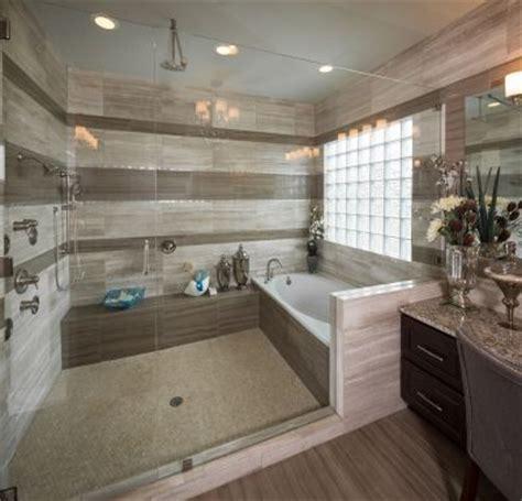 Lay Down Walk In Bathtub by 25 Best Ideas About Huge Shower On Pinterest Dream