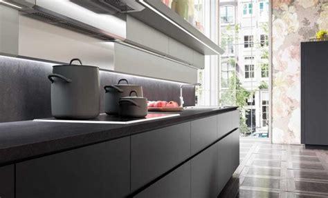 cuisine rustique grise comptoir de granit le visage moderne de nos cuisines