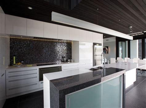 pose d une credence cuisine mosaiques salle de bain concept mosaque