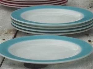 vintage Pyrex plates, aqua & flamingo pink colored band