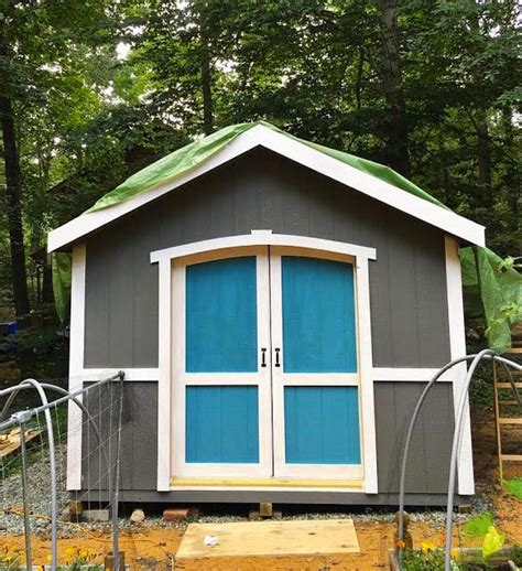Colors For Garden Sheds by Custom Build A Garden Shed Using A Shed Kit From Lowe S
