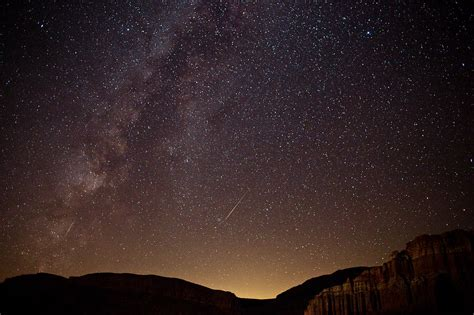 File Perseid Meteors The Milky Way Red Rock Canyon