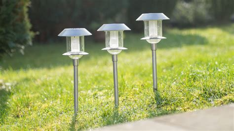 Im Test Die Esotec Solarleuchte Swing  Hausgarten Tipps