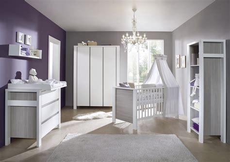 chambre bébé milan blanche et grise avec armoire 3 portes