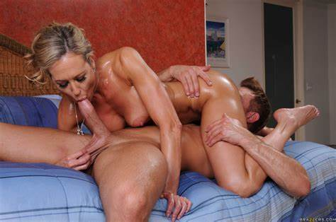 Milf Drill Messy In The Apartment
