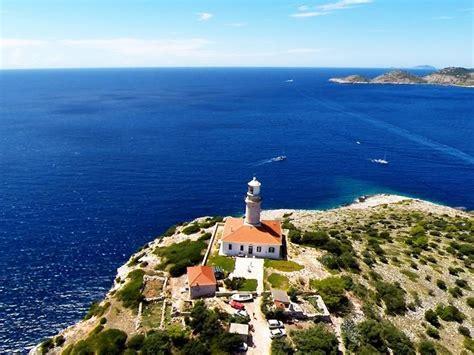 fari  case dei pescatori  croazia
