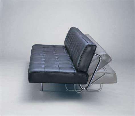 entretien canapé cuir bien utiliser et entretenir le canapé bz en cuir canape bz